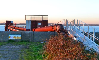Old outflow pipe, Cliffe