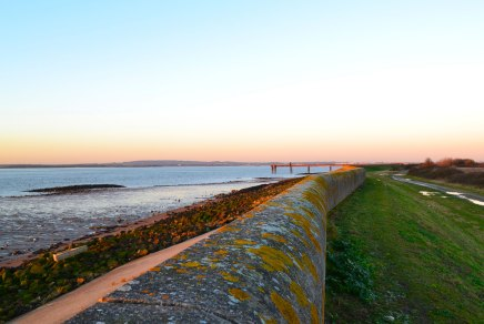 Looking east, sea wall, Cliffe