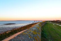 Sea wall, Cliffe