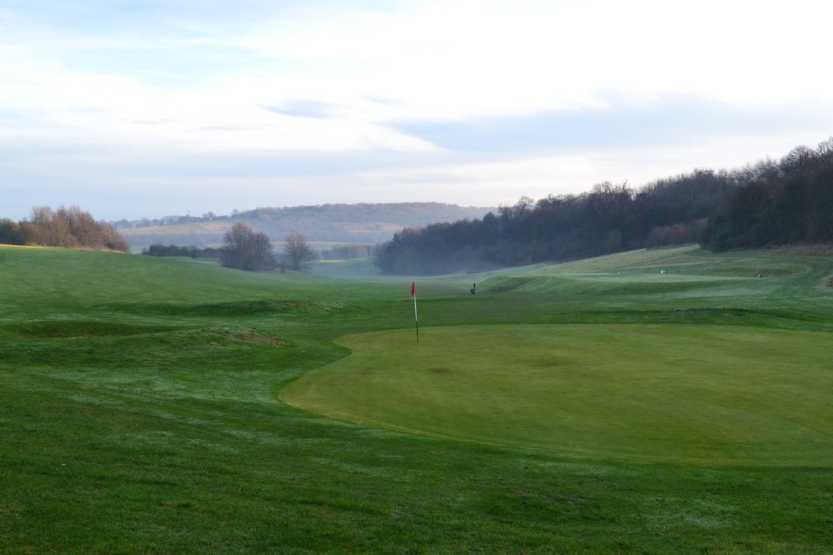 Golf hole, Lullingstone, Kent. Winter